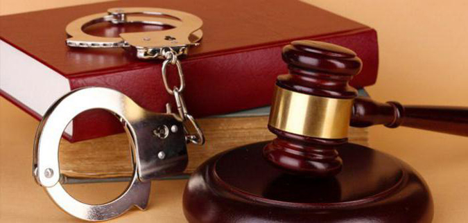 посоветуйте адвоката по уголовным делам